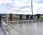 MSB Large Rüttelbohle im Einsatz bei der Firma Stockinger Bau GmbH beim Stallbau