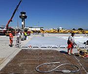 MSB Medium Rüttelbohle im Einsatz bei der Firma Strabag am Flughafen Salzburg